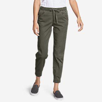 Women's Kick Back 2.0 Jogger Pants w/Zip Pocket in Green