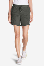 Women's Kick Back Twill Shorts in Green