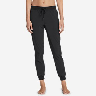 Women's Trail Seeker Cargo Pants in Black