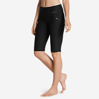 Women's Trail Tight Knee Shorts in Black