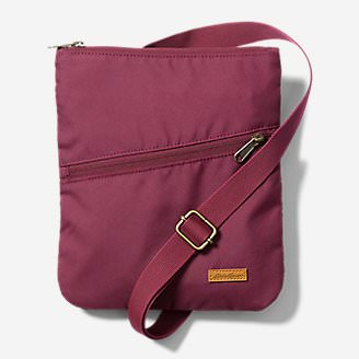 Connect 3-Zip Travel Bag in Red