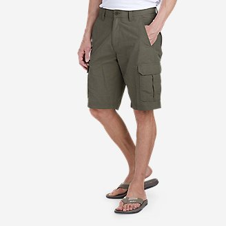 Men's Cairn Cargo Shorts in Green