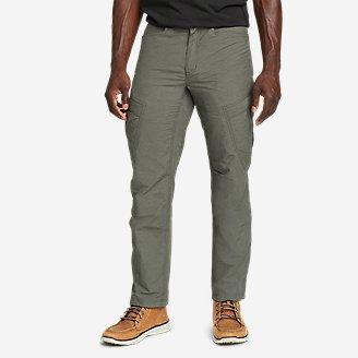 Men's Cairn Cargo Pants in Green