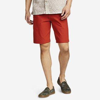 Men's Horizon Guide 10' Chino Shorts in Red