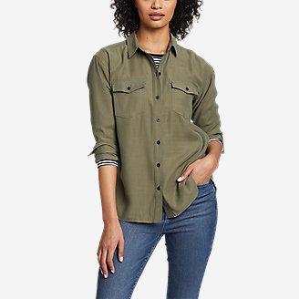 Women's Tranquil Sandwash Long-Sleeve Shirt in Green