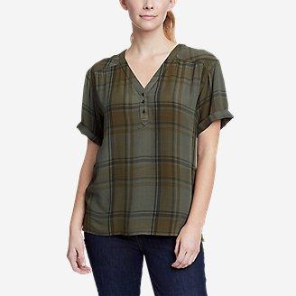 Women's Rivierah Short-Sleeve V-Neck Top in Green