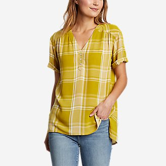 Women's Rivierah Short-Sleeve V-Neck Top in Yellow