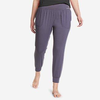 Women's Movement Lux Studio Jogger Pants in Purple