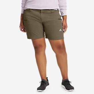 Women's Guide Pro Shorts in Green