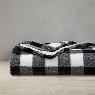 Cabin Faux Fur Throw in Black