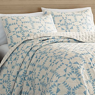 Arrowhead Quilt/Sham Set in Gray