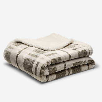 Cabin Fleece Blanket in Gray