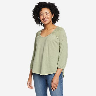 Women's Gate Check 3/4-Sleeve V-Neck Top in Green