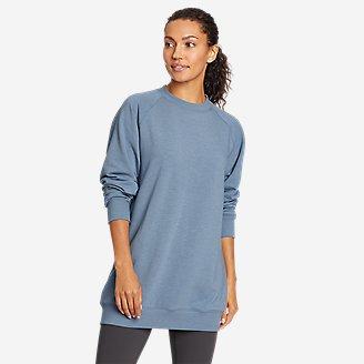 Women's Motion Cozy Camp Slouchy Crew Sweatshirt in Blue