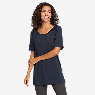 Women's Gate Check Short-Sleeve Step-Hem T-Shirt in Blue