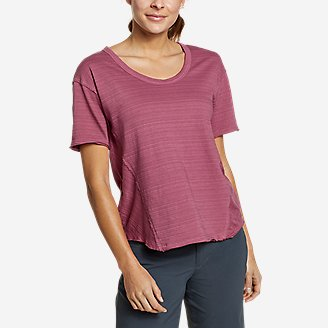 Women's Go-To U-Neck T-Shirt in Red