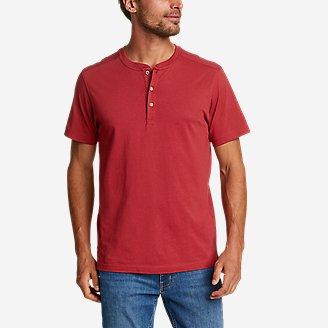 Men's Legend Wash Pro Short-Sleeve Henley in Red